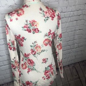 Chris & Carol Sweaters - Thin Floral Cardigan